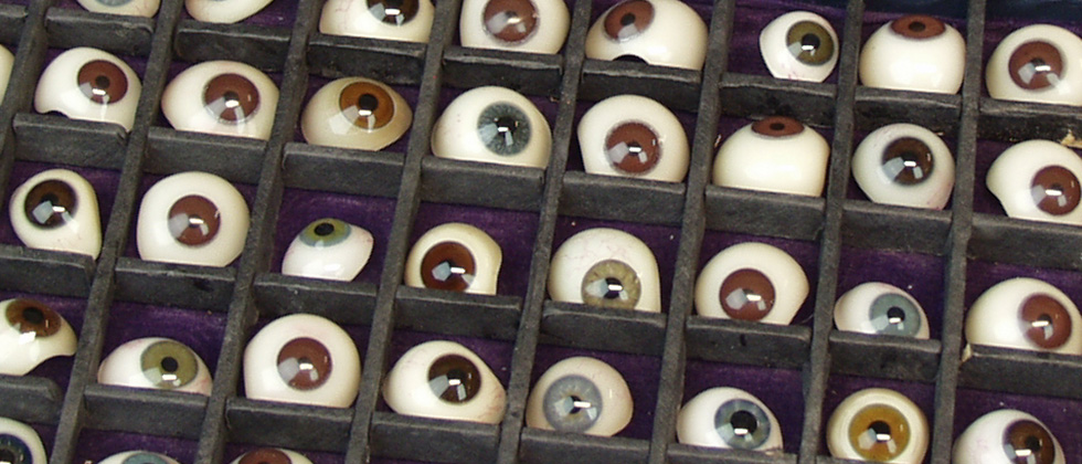 box of 50 glass artificial eyes