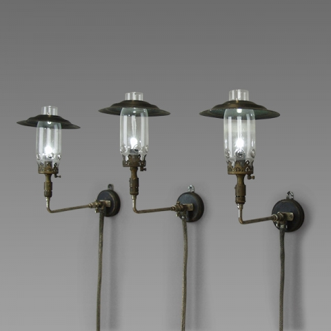 Wall Gas Lamps : Memento-mori - accessories for hire